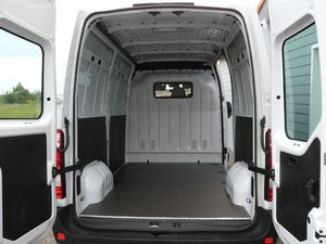 transformer un renault master iii en camping car. Black Bedroom Furniture Sets. Home Design Ideas